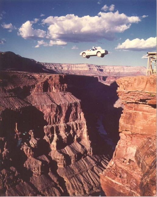 Dar Robinson - Saut voiture Grand Canyon