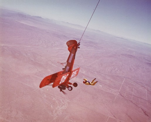 Dar Robinson saut d'avion en avion